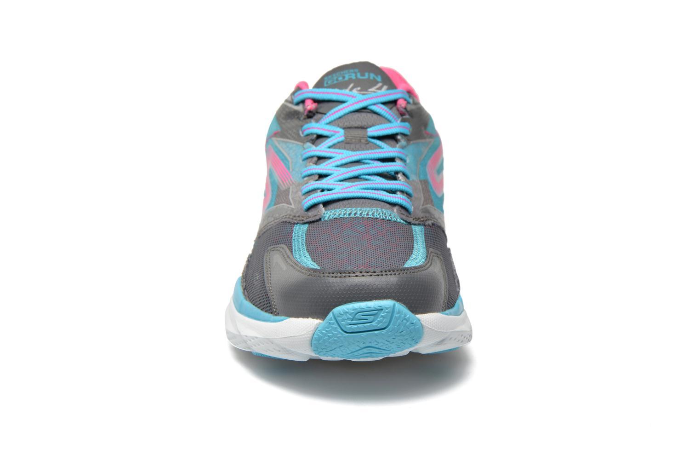 Zapatillas de deporte Skechers Go Run Ride 4 13998 Multicolor vista del modelo