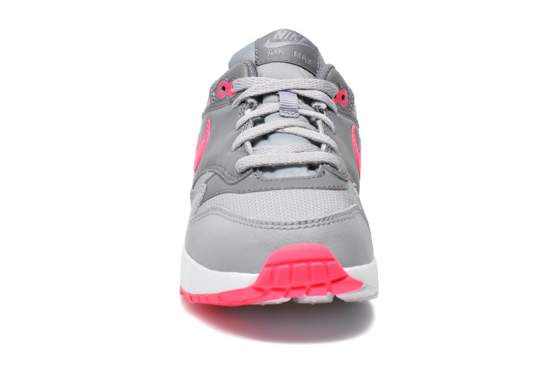 Baskets Nike AIR MAX 1 (PS) Gris vue portées chaussures