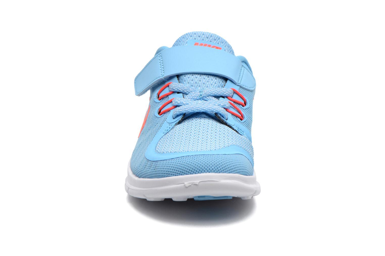 Baskets Nike NIKE FREE 5 (PSV) Bleu vue portées chaussures