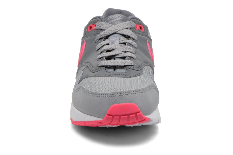Sneaker Nike AIR MAX 1 (GS) grau schuhe getragen
