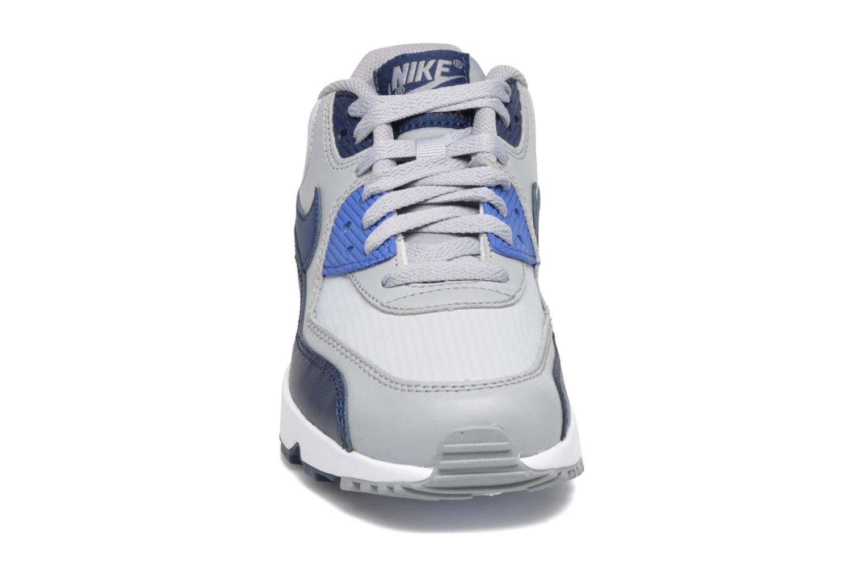 Baskets Nike NIKE AIR MAX 90 MESH (GS) Bleu vue portées chaussures