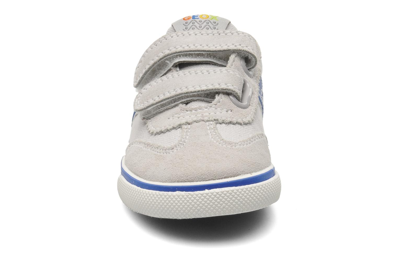Sneaker Geox B KIWI B. C - SCAM.+TELA grau schuhe getragen