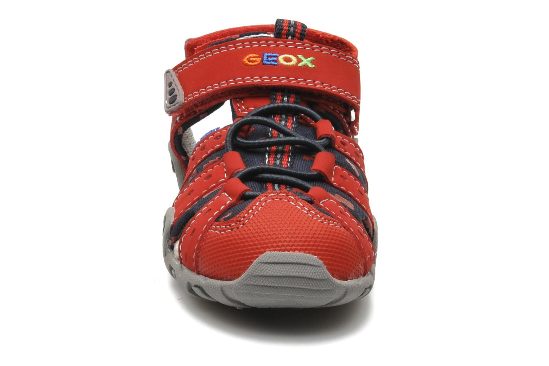Sandales et nu-pieds Geox B SAND.KRAZE A - DBK+LYCRA Rouge vue portées chaussures