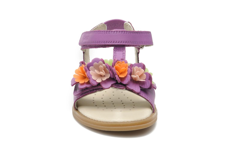 Sandalen Geox J S.KARLY G.B - VIT.LISCIO lila schuhe getragen