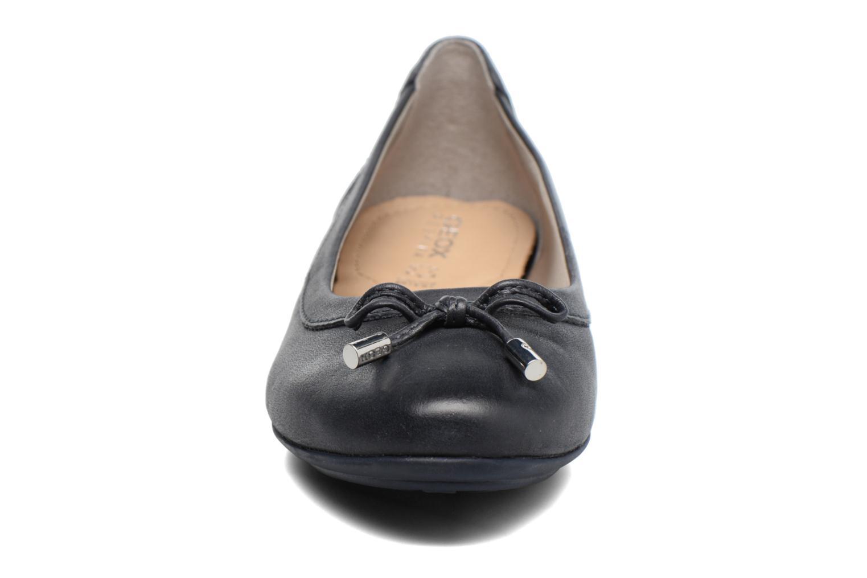 Ballerines Geox D CHARLENE A D32Y7A Bleu vue portées chaussures