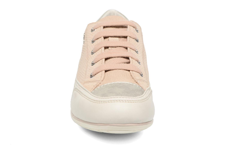Baskets Geox D NEW MOENA D D5260D Beige vue portées chaussures