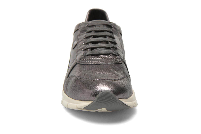 Baskets Geox D SUKIE A D52F2A Gris vue portées chaussures