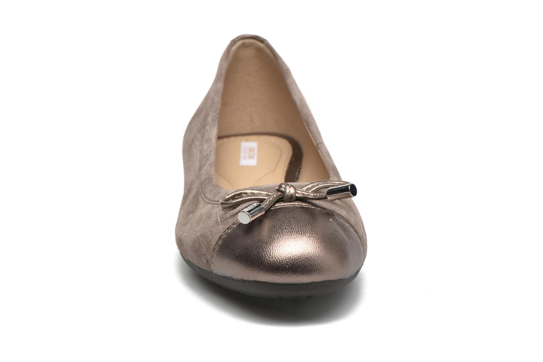 Ballerines Geox D LOLA A D93M4A Beige vue portées chaussures