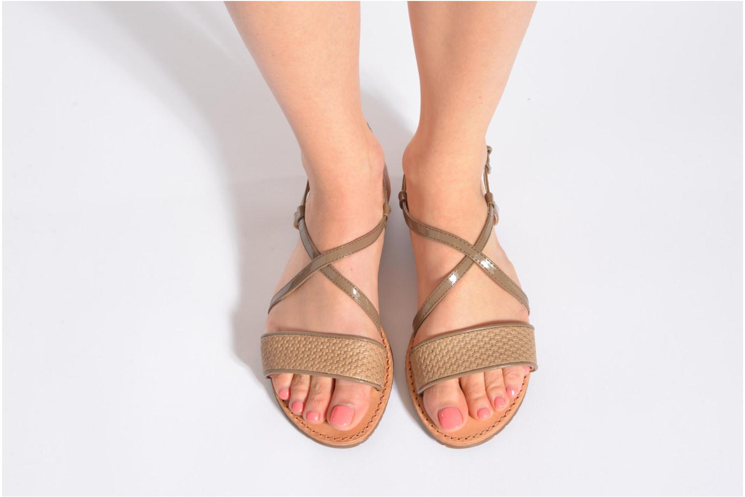 Sandals Geox D JOLANDA A D5275A Beige view from underneath / model view