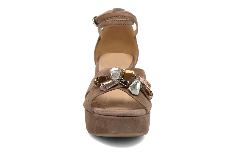 Sandales et nu-pieds Geox D THELMA A D52N9A Marron vue portées chaussures