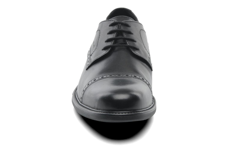 Chaussures à lacets Geox U CARNABY B U52W1B Noir vue portées chaussures