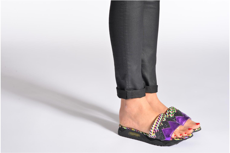 Clogs & Pantoletten Irregular Choice ICED Slide Away PE15 mehrfarbig ansicht von unten / tasche getragen
