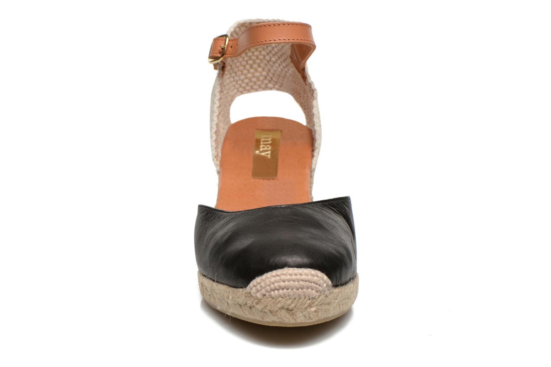 Sandali e scarpe aperte Maypol Lola Nero modello indossato