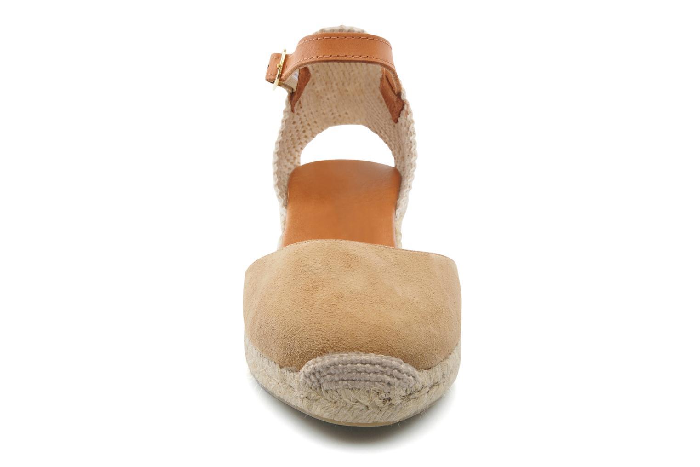 Sandales et nu-pieds Maypol Macaret Beige vue portées chaussures