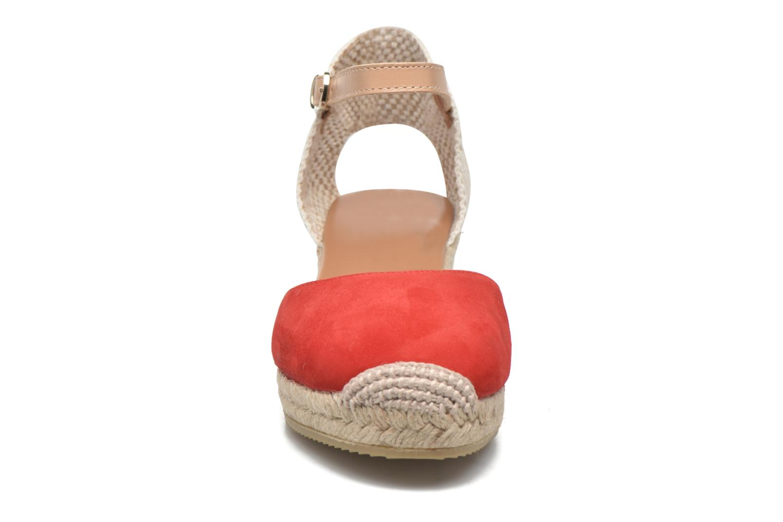 Sandali e scarpe aperte Maypol Macaret Rosso modello indossato