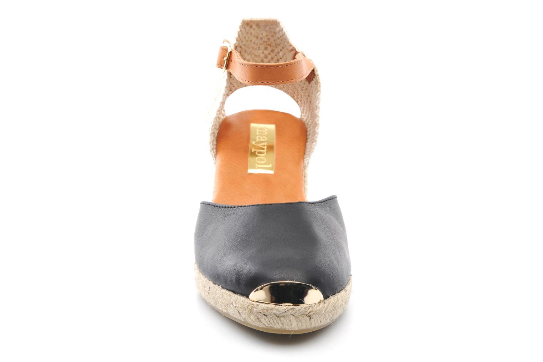 Sandali e scarpe aperte Maypol Luz Nero modello indossato