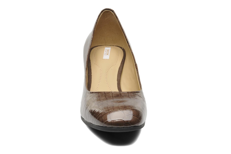 Escarpins Geox D Celestial B Patent D44R2B Marron vue portées chaussures