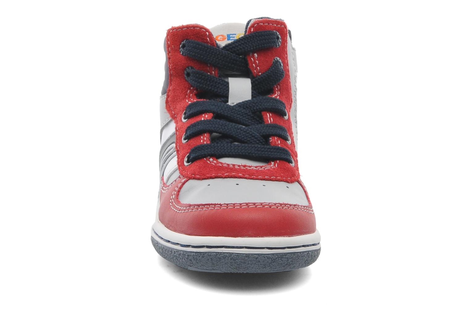 Baskets Geox Baby Flick Boy A B4437A Rouge vue portées chaussures