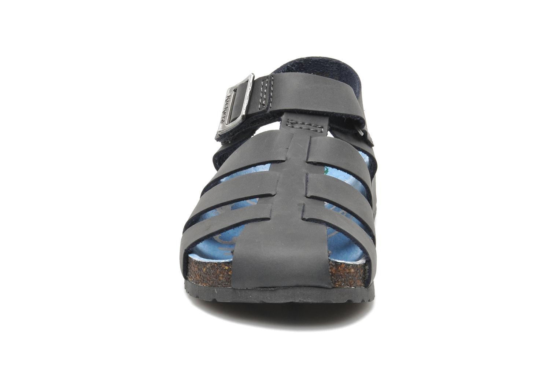Sandales et nu-pieds Kickers MAGIFLO Gris vue portées chaussures