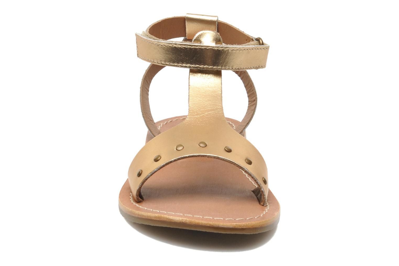 Sandalen Kickers DIZAINE V gold/bronze schuhe getragen