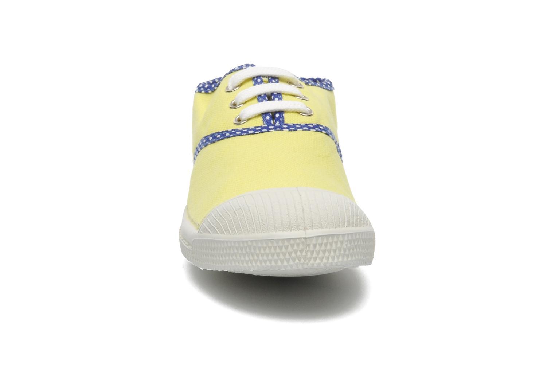 Sneakers Bensimon Tennis Colorpois E Giallo modello indossato