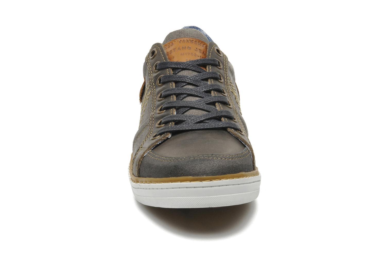 Baskets Mustang shoes Gilyx Gris vue portées chaussures