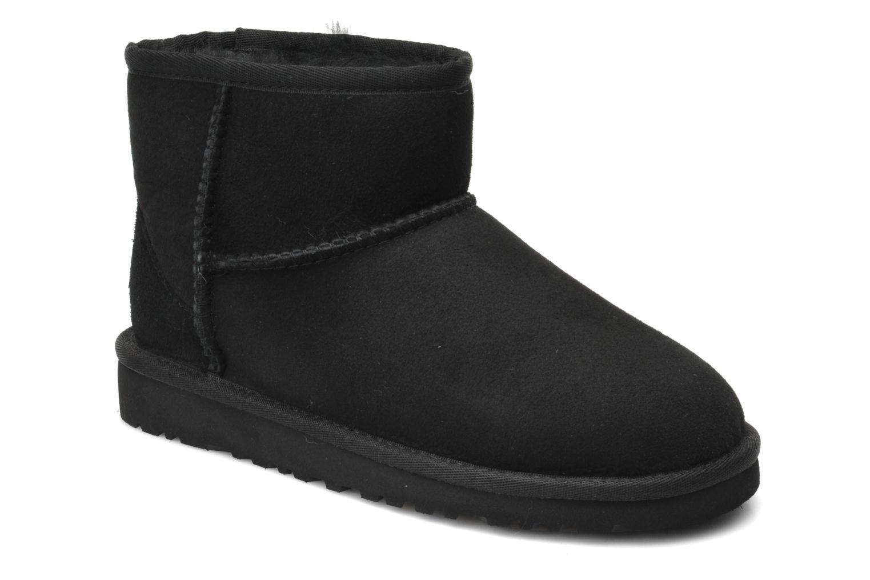 Stiefeletten & Boots UGG K CLASSIC MINI schwarz detaillierte ansicht/modell