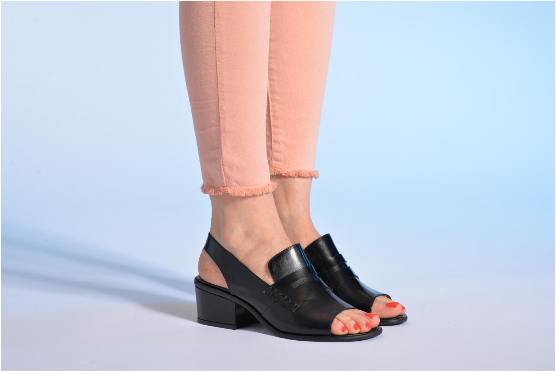 Sandalen Made by SARENZA Guimauve #12 schwarz ansicht von unten / tasche getragen