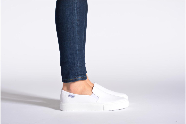 Sneaker Victoria Slip-on Lona weiß ansicht von unten / tasche getragen