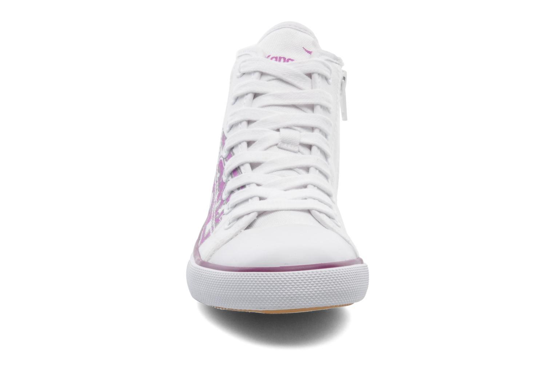 Sneakers Kangaroos KangaVulcT 2053 Bianco modello indossato