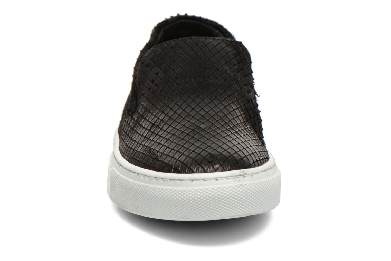 Sneaker Georgia Rose Periette schwarz schuhe getragen