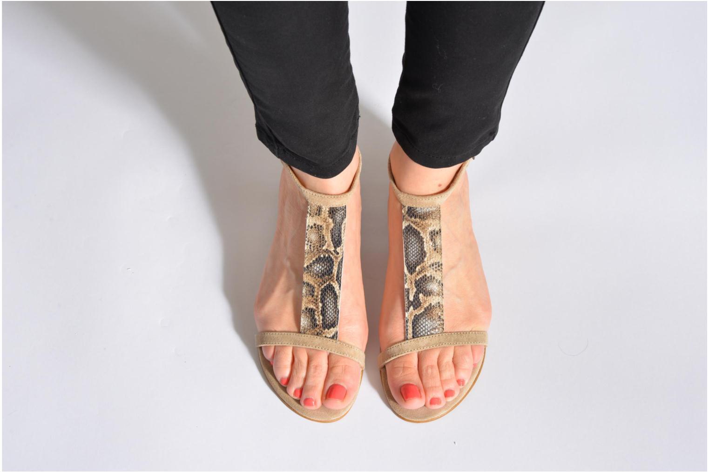 Sandales et nu-pieds Georgia Rose Lulab Beige vue bas / vue portée sac