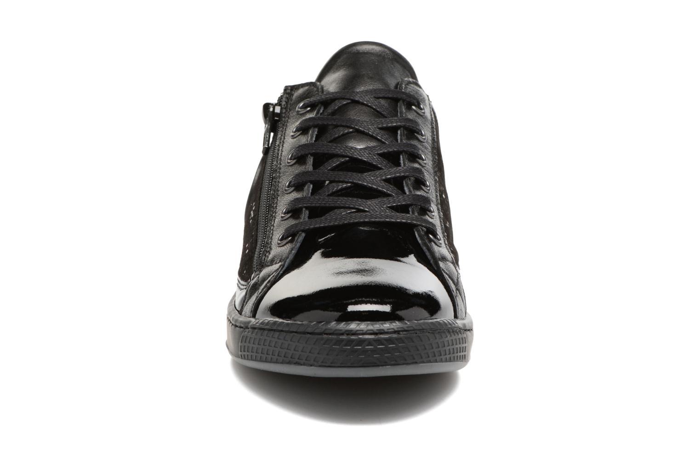 Baskets Pataugas Jester Noir vue portées chaussures
