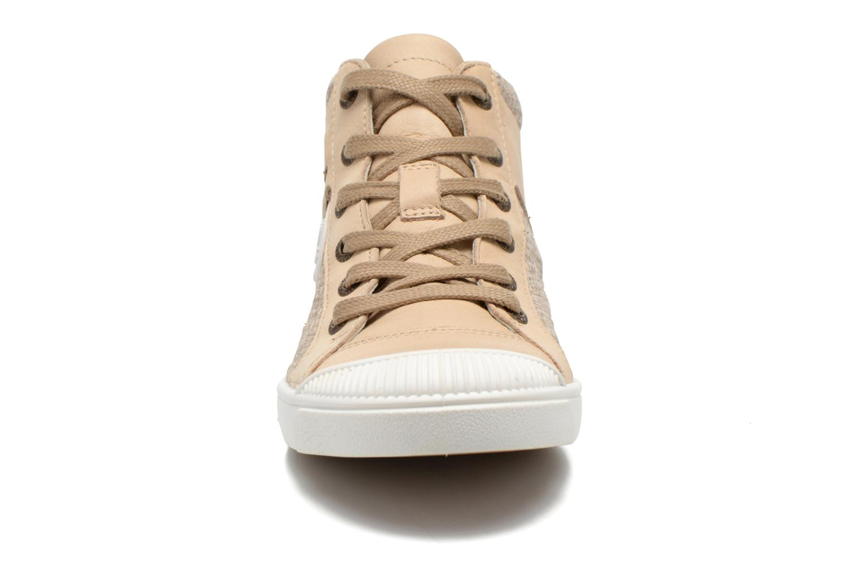 Baskets Pataugas Loann Beige vue portées chaussures