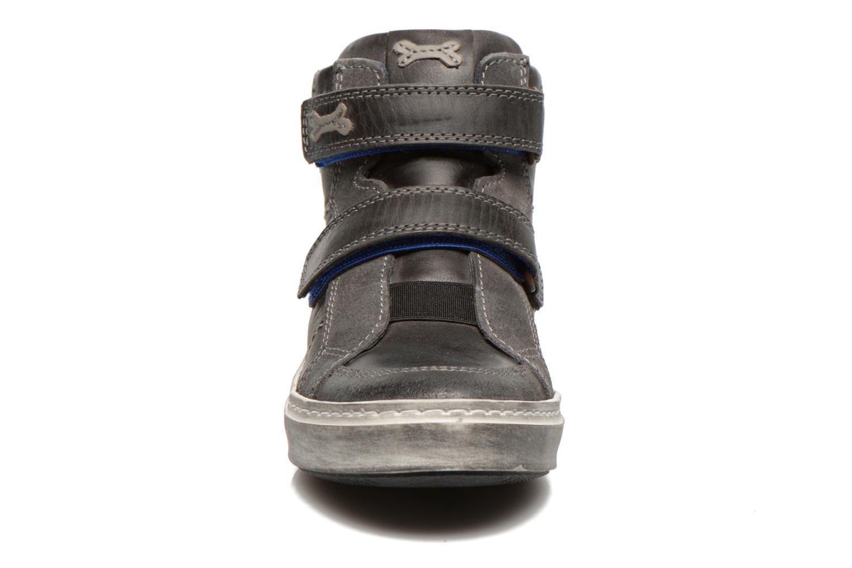 Baskets Stones and Bones BANCO Gris vue portées chaussures