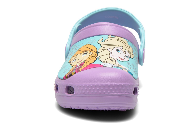 Sandales et nu-pieds Crocs CC Frozen Clog-Iris Multicolore vue portées chaussures