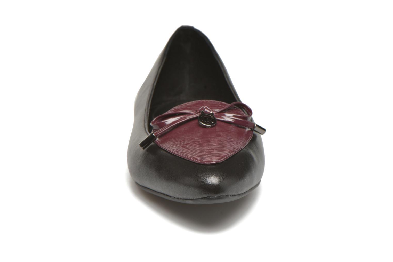 Ballerines Michael Michael Kors Nancy Flat Noir vue portées chaussures