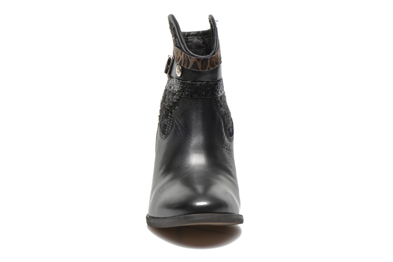 Bottines et boots Le temps des cerises Brook Noir vue portées chaussures
