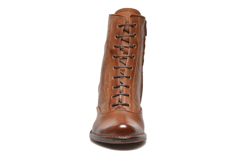 Bottines et boots Neosens Rococo S846 Marron vue portées chaussures