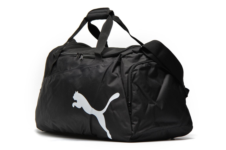 Sacs de sport Puma Pro Training Bag M Noir vue portées chaussures