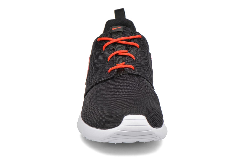 NIKE ROSHE ONE (GS) Black/Max Orange-White