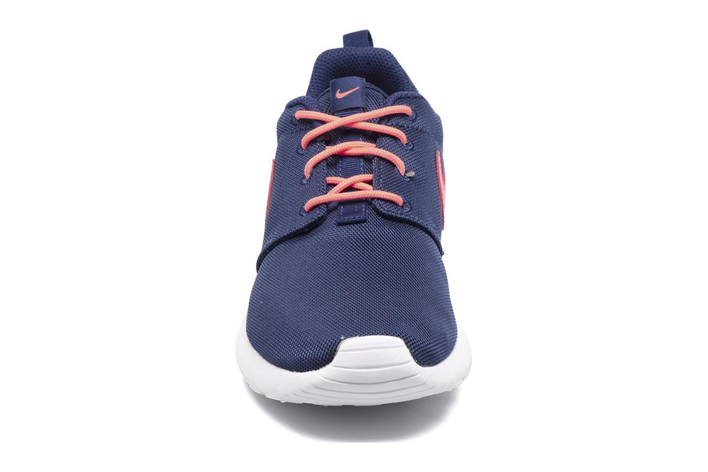Sneakers Nike NIKE ROSHE ONE (GS) Azzurro modello indossato