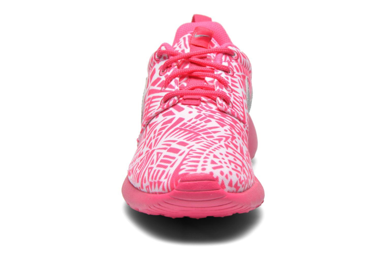Sneaker Nike NIKE ROSHE ONE PRINT (GS) weiß schuhe getragen
