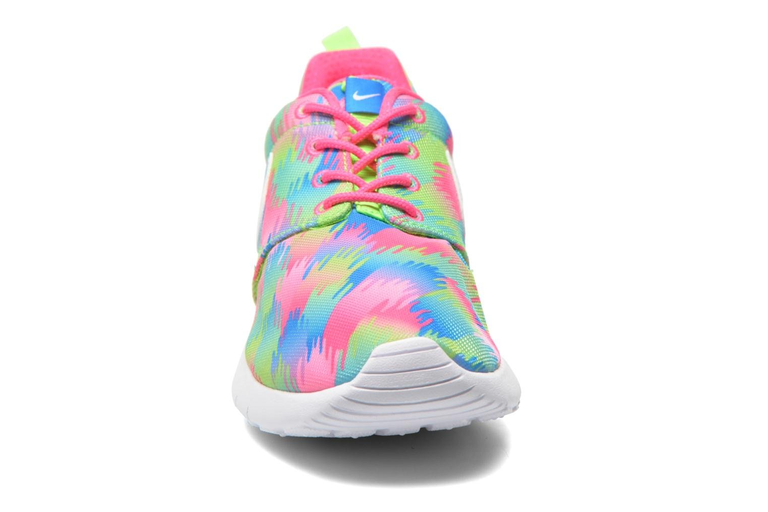 Baskets Nike NIKE ROSHE ONE PRINT (GS) Multicolore vue portées chaussures