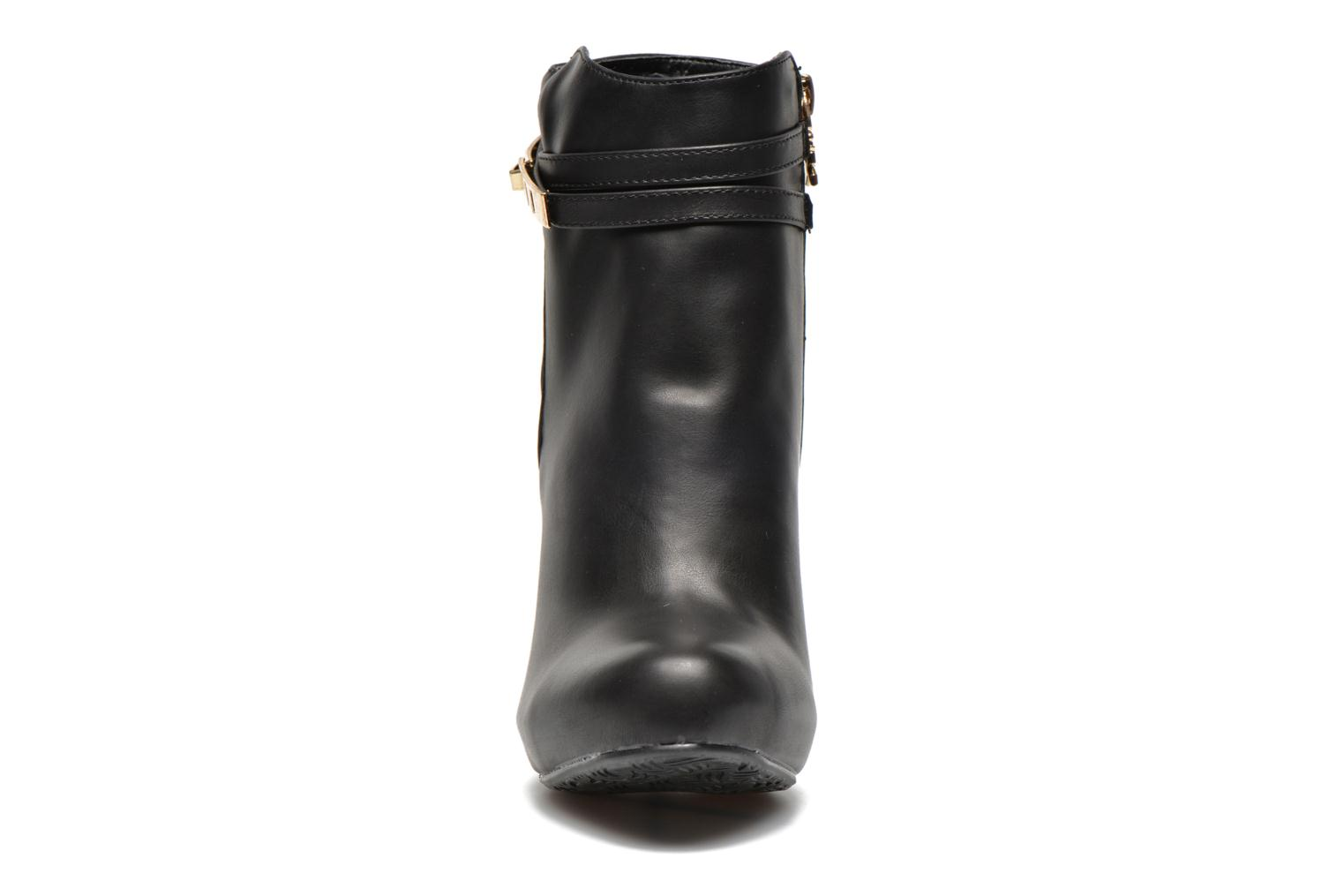 Ankle boots Xti Rorie-28348 Black model view