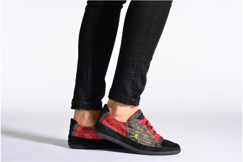 Sneaker Desigual Happy Luna braun ansicht von unten / tasche getragen