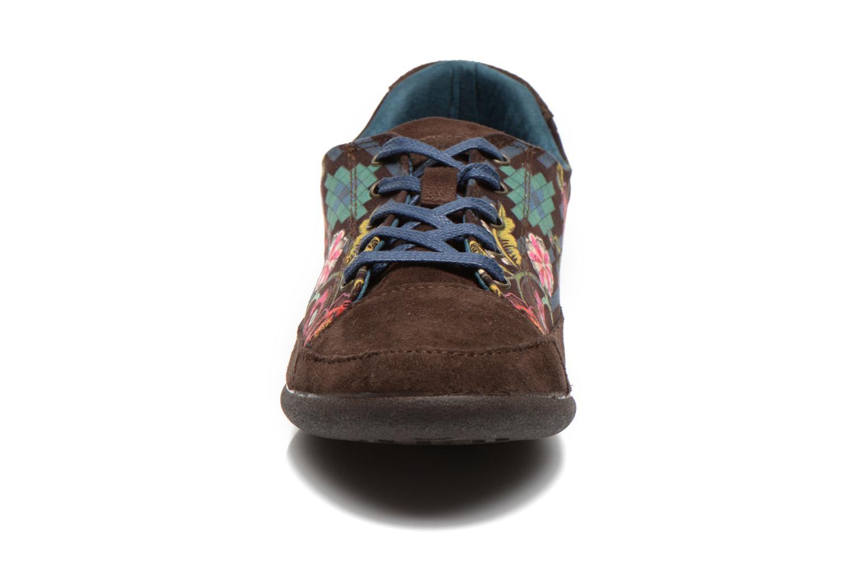 Baskets Desigual Happy Luna Marron vue portées chaussures