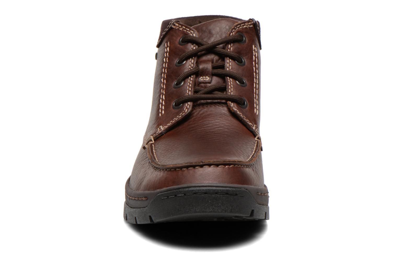 Chaussures à lacets Clarks Stanten Time GTX Marron vue portées chaussures