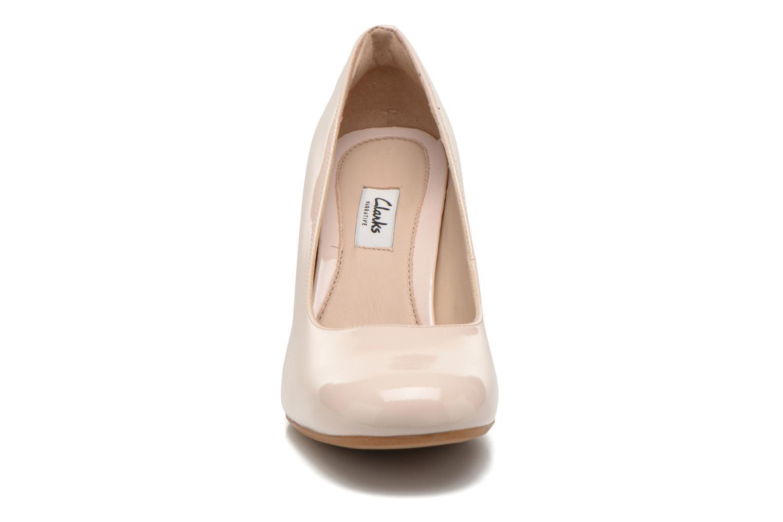 Escarpins Clarks Gabriel Mist Beige vue portées chaussures