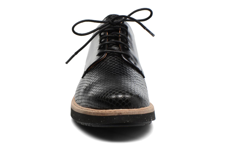 Chaussures à lacets Clarks Glick Darby Noir vue portées chaussures